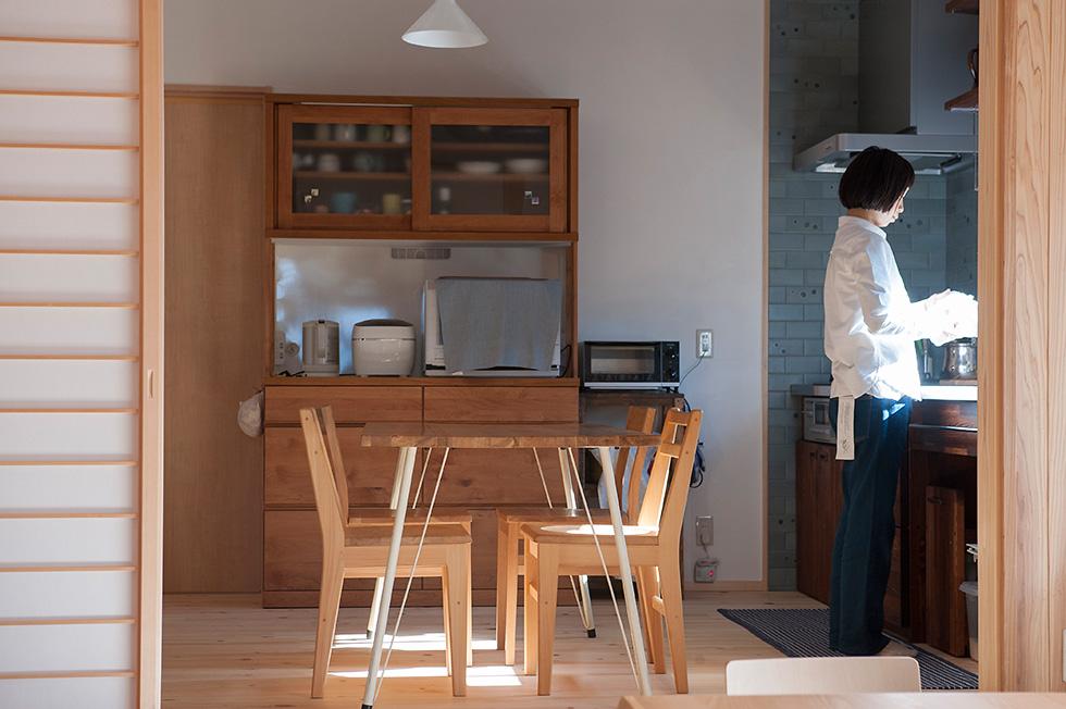 天然の自然素材にこだわった住まい、清々しい空気の住空間「木で幸せの家」